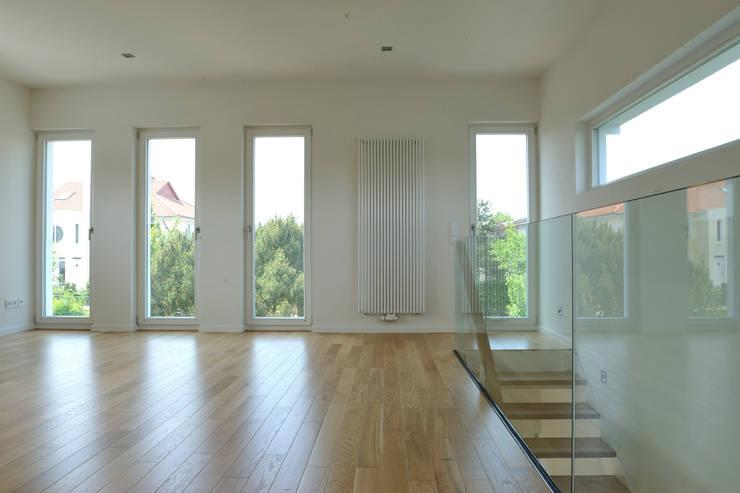 Гостиная в . Автор – zymara und loitzenbauer architekten bda