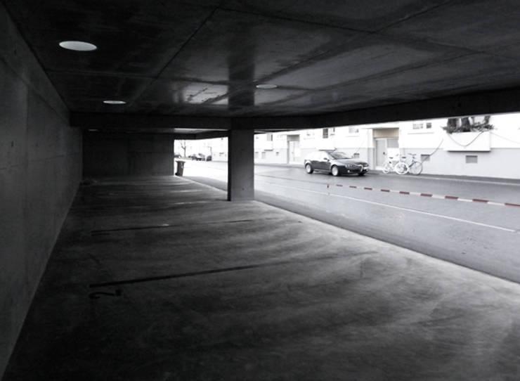 Garage/shed by architekturbüro axel baudendistel