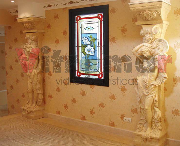 Vidriera Campanillas a fuego: Puertas y ventanas de estilo ecléctico de Vitromar Vidrieras Artísticas