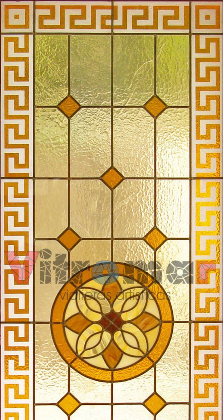 Detalle arenado celtico: Puertas y ventanas de estilo ecléctico de Vitromar Vidrieras Artísticas
