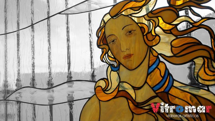 Detalle de El nacimiento de Venus: Puertas y ventanas de estilo  de Vitromar Vidrieras Artísticas