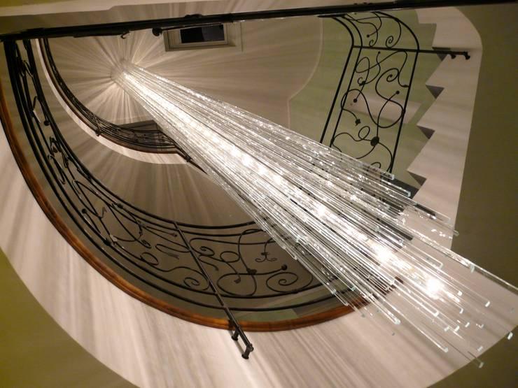 Vestíbulos, pasillos y escaleras de estilo  de Le Meduse s.a.s.
