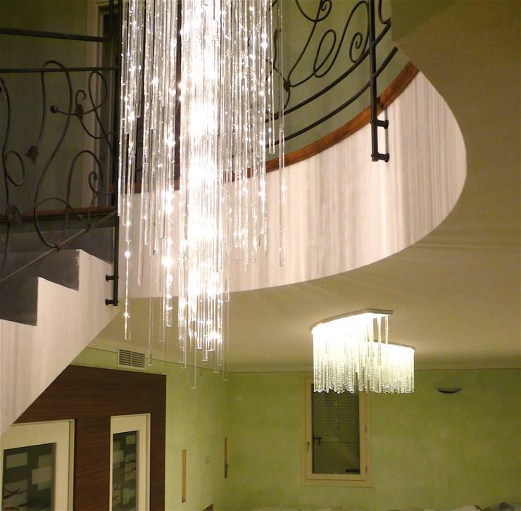 玄關、走廊與階梯 by Le Meduse s.a.s.