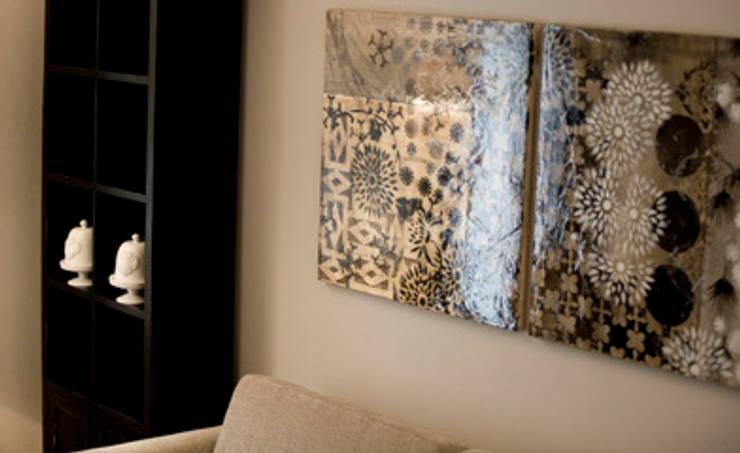 classic Living room by STUDIO PAOLA FAVRETTO SAGL - INTERIOR DESIGNER