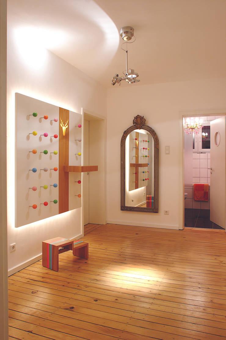 Habitaciones infantiles de estilo  por tricform