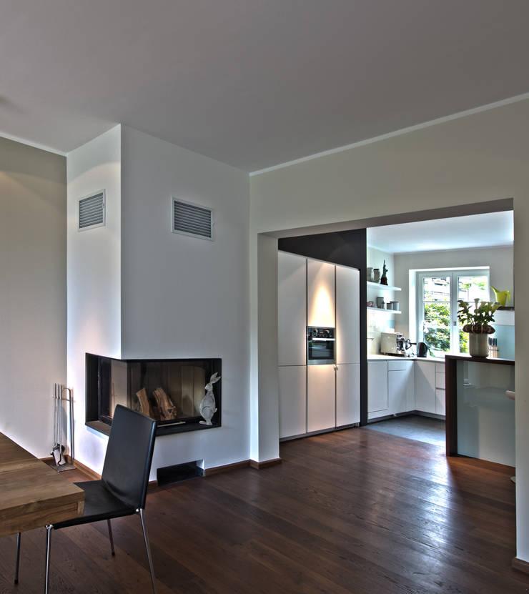 Privathaus L, Küche: moderne Küche von Lichters Living