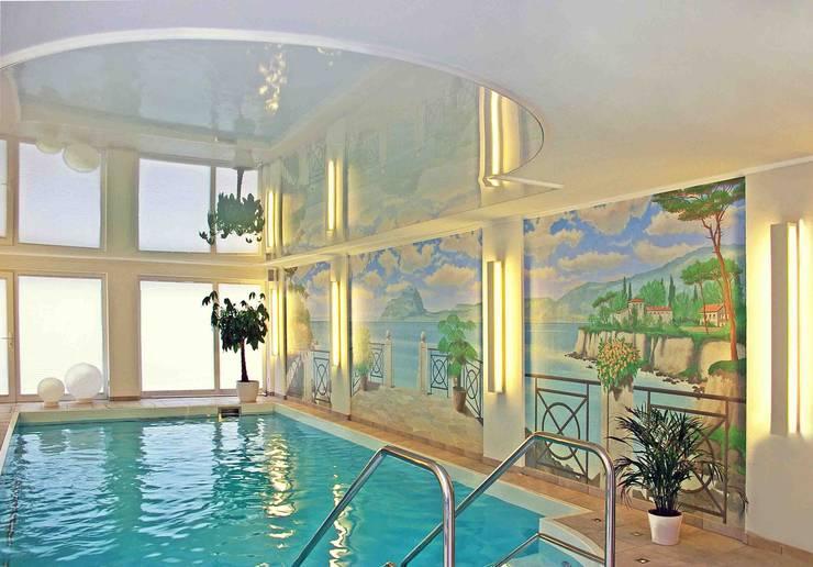 Piscinas de estilo clásico de Atelier Hrubes Clásico