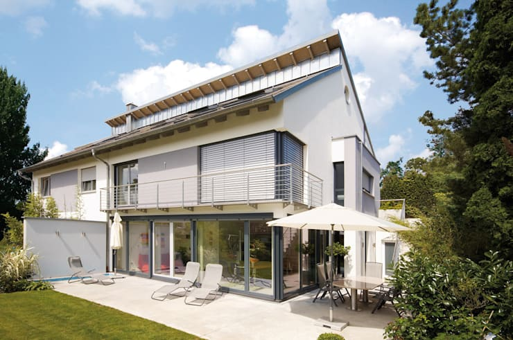 INDIVIDUELLE DOPPELHAUSHÄLFTE:  Häuser von b2 böhme PROJEKTBAU GmbH