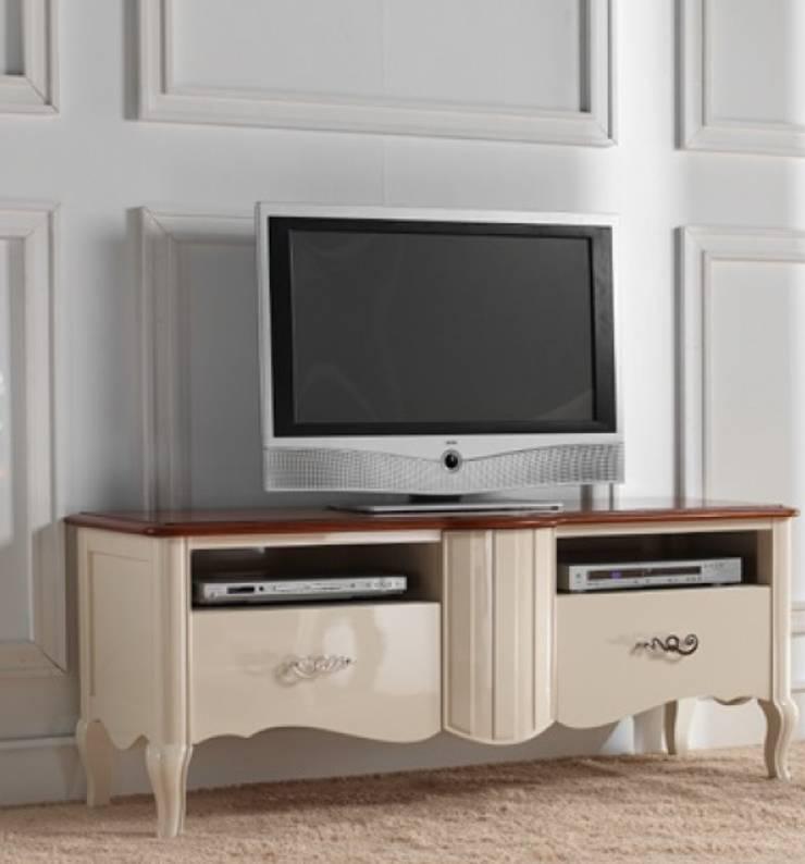 Módulo de televisión, en línea romántica.: Salones de estilo  de MUMARQ ARQUITECTURA E INTERIORISMO
