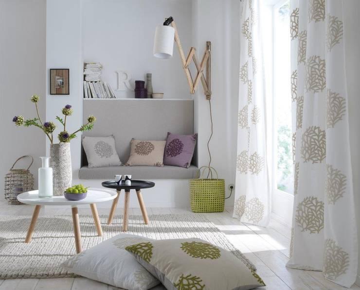 Projekty,  Salon zaprojektowane przez Muebles Flores Torreblanca