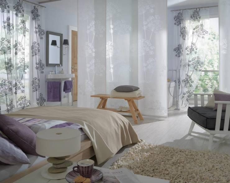 Projekty,  Sypialnia zaprojektowane przez Muebles Flores Torreblanca