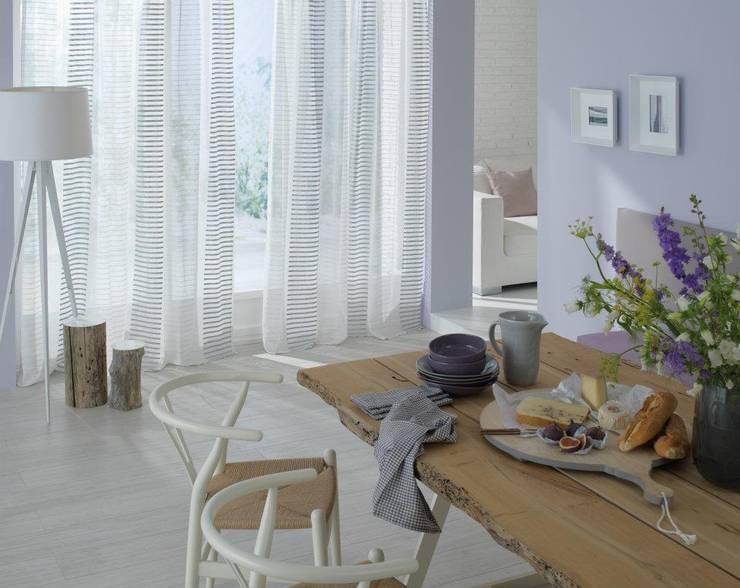 DECORACIÓN TEXTIL: Comedor de estilo  de Muebles Flores Torreblanca