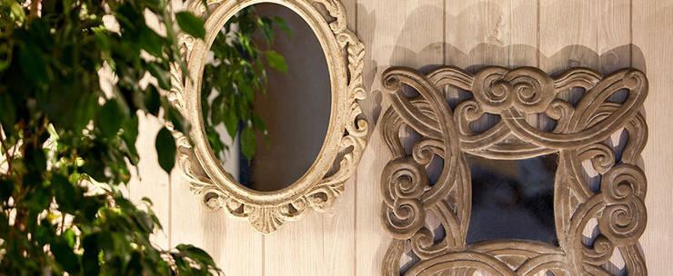 RECIBIDORES Y ESPEJOS: Dormitorios de estilo moderno de Muebles Flores Torreblanca