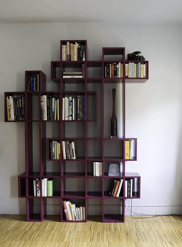 minimalistic Living room by Ines Benavides