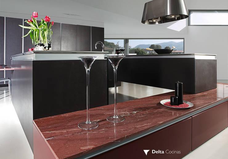 COCINAS: Cocinas de estilo minimalista de Muebles Flores Torreblanca