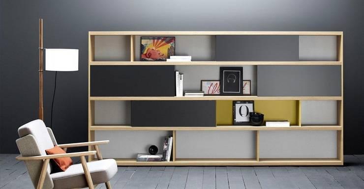 skandinavische Arbeitszimmer von Muebles Flores Torreblanca
