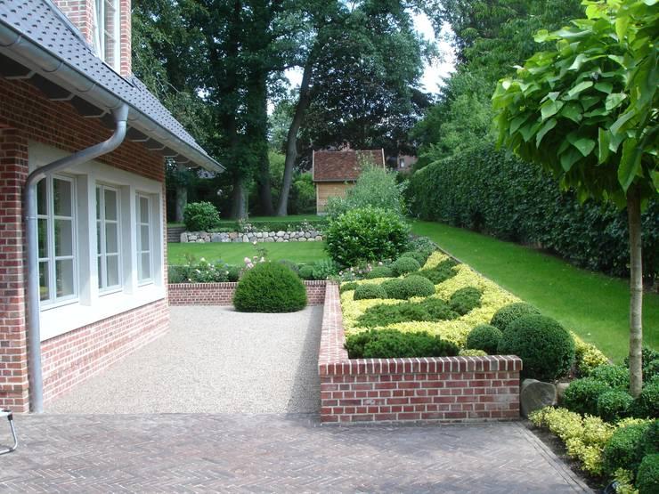 Jardins  por Cabanis Innenarchitektur