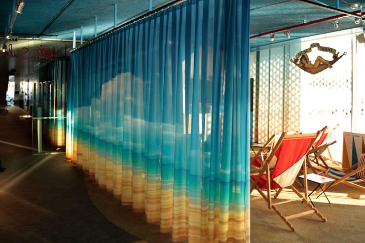 Bares y Clubs de estilo  por cortiplec cortinas técnicas