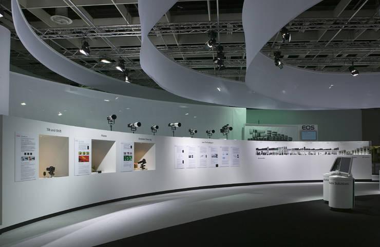 Centros de congressos  por Gellink + Schwämmlein Architekten