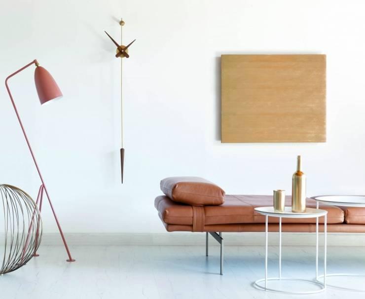 Hogar de estilo  por Muebles Lluesma