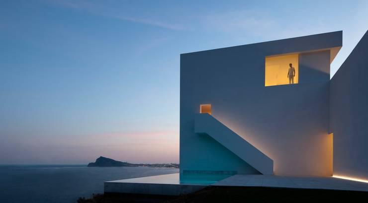 Casas de estilo minimalista de homify