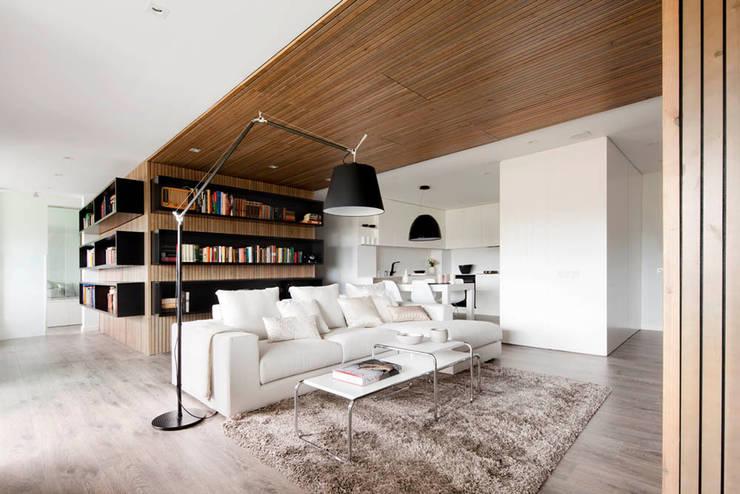 Expresión Transversal: Salones de estilo moderno de Susanna Cots Interior Design