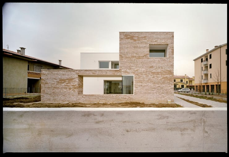Huizen door C&P Architetti - Luca Cuzzolin + Elena Pedrina