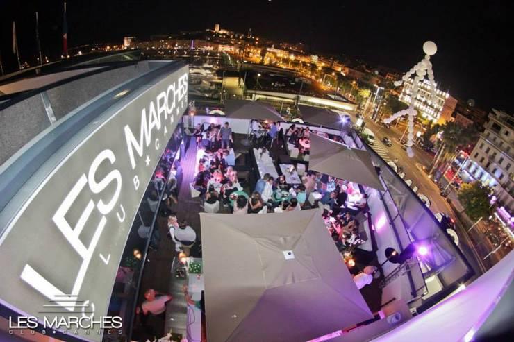 Les Marches Night Club – Cannes: Locaux commerciaux & Magasins de style  par Glow Deco