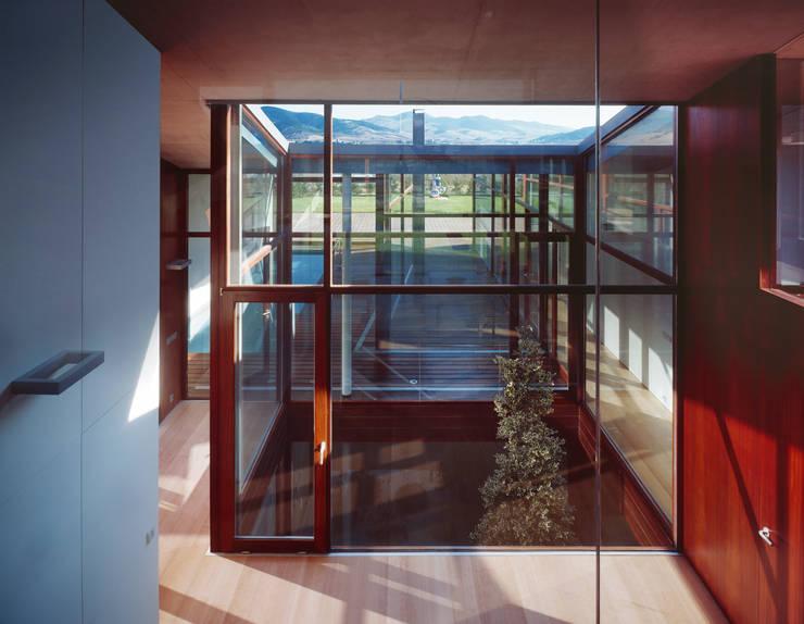 Rumah oleh swans007, Modern