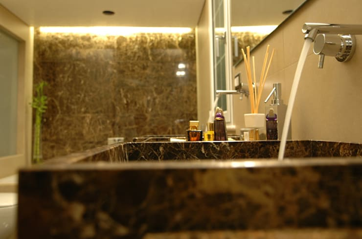 Enrico Muscioni Architect が手掛けた洗面所&風呂&トイレ
