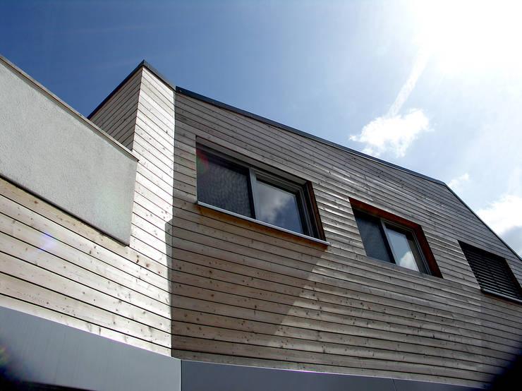 Wohnhaus in Königstein:  Häuser von stengele+cie.,Modern