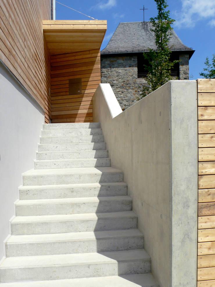 Modern houses by stengele+cie. Modern