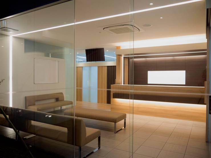 待合室 受付カウンター1:       古津真一 翔設計工房一級建築士事務所が手掛けた和室です。