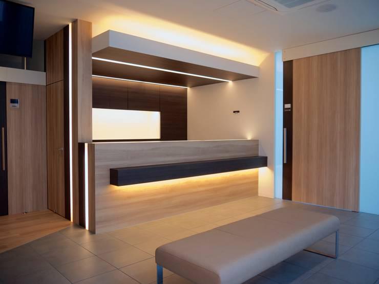 待合室 受付カウンター2:       古津真一 翔設計工房一級建築士事務所が手掛けた和室です。