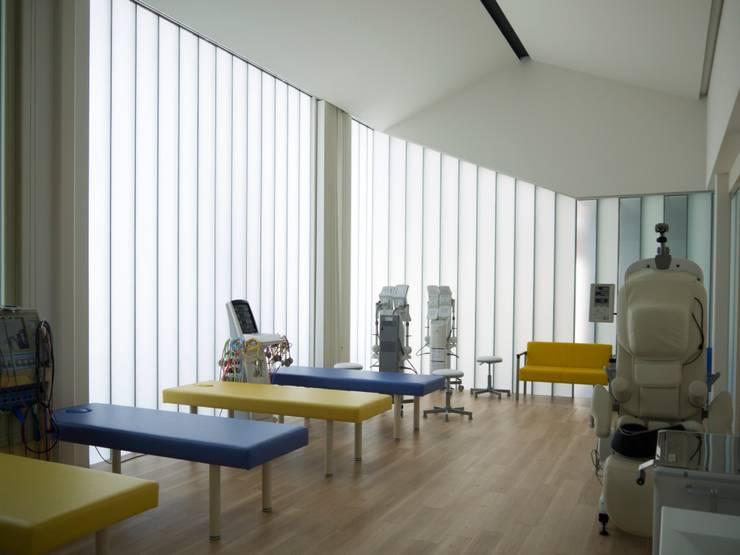 リハビリ室1:       古津真一 翔設計工房一級建築士事務所が手掛けた和室です。