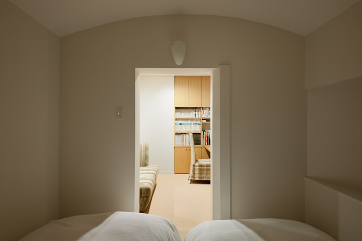 ห้องนอน by Kikumi Kusumoto/Ks ARCHITECTS