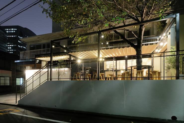 Bun Café - 外観・テラス席: MoMo. Co., Ltd.が手掛けたレストランです。,