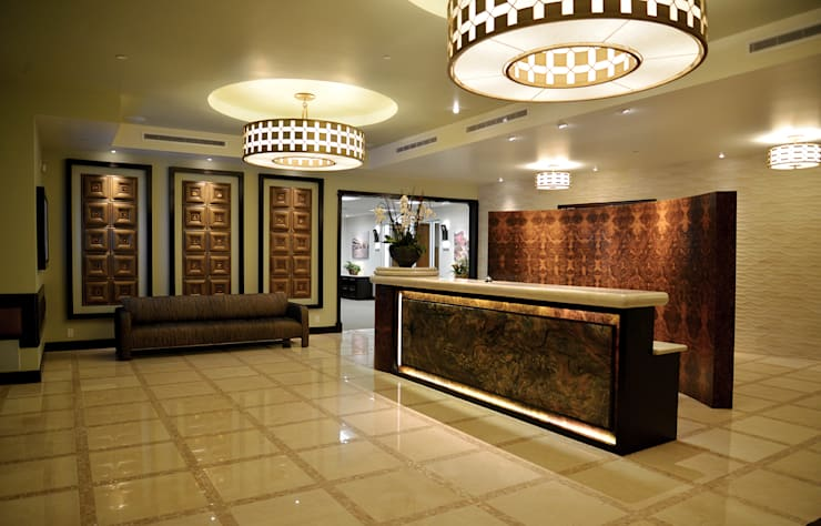 Canwood Office Project, Agoura Hills CA. 2014: Oficinas y tiendas de estilo  por Erika Winters® Design