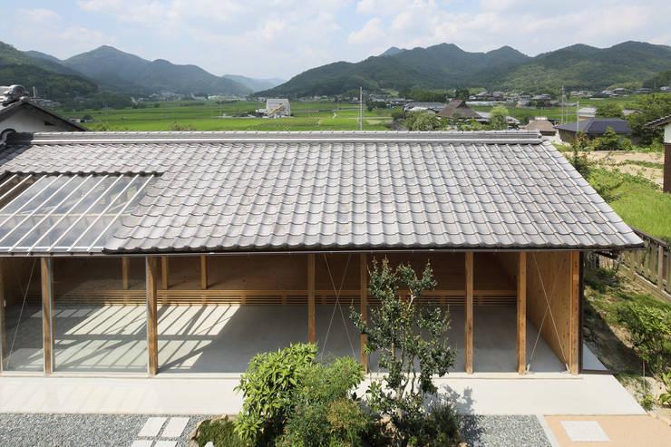 Garage/shed by eu建築設計