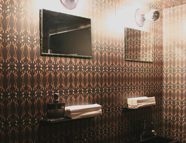 Zwarte Add planchet 40 cm, Hotel V Amsterdam: modern  door Marike, Modern