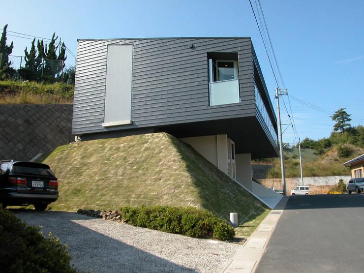 峰山の家: 株式会社ハマノ・デザインが手掛けた家です。
