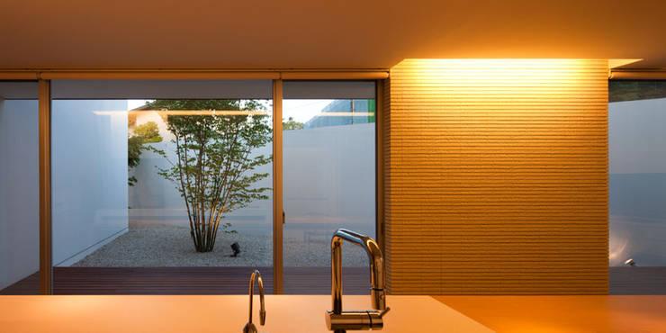 春日丘の家: 小田裕二建築設計事務所が手掛けたキッチンです。