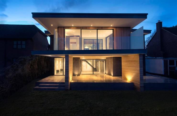 AR Design Studio- 4 Views: modern Houses by AR Design Studio