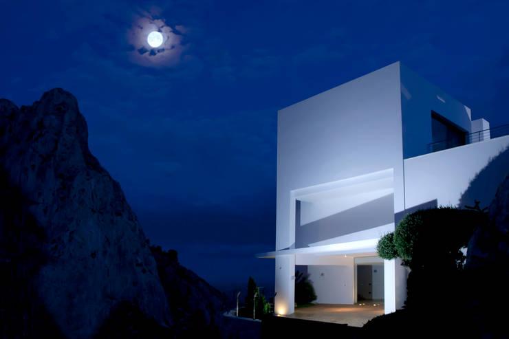 Case in stile in stile Moderno di Spainville Inmobiliaria