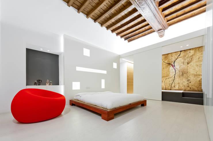 Bedroom by Comoglio Architetti