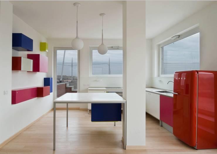 Calzoni architetti의  주방