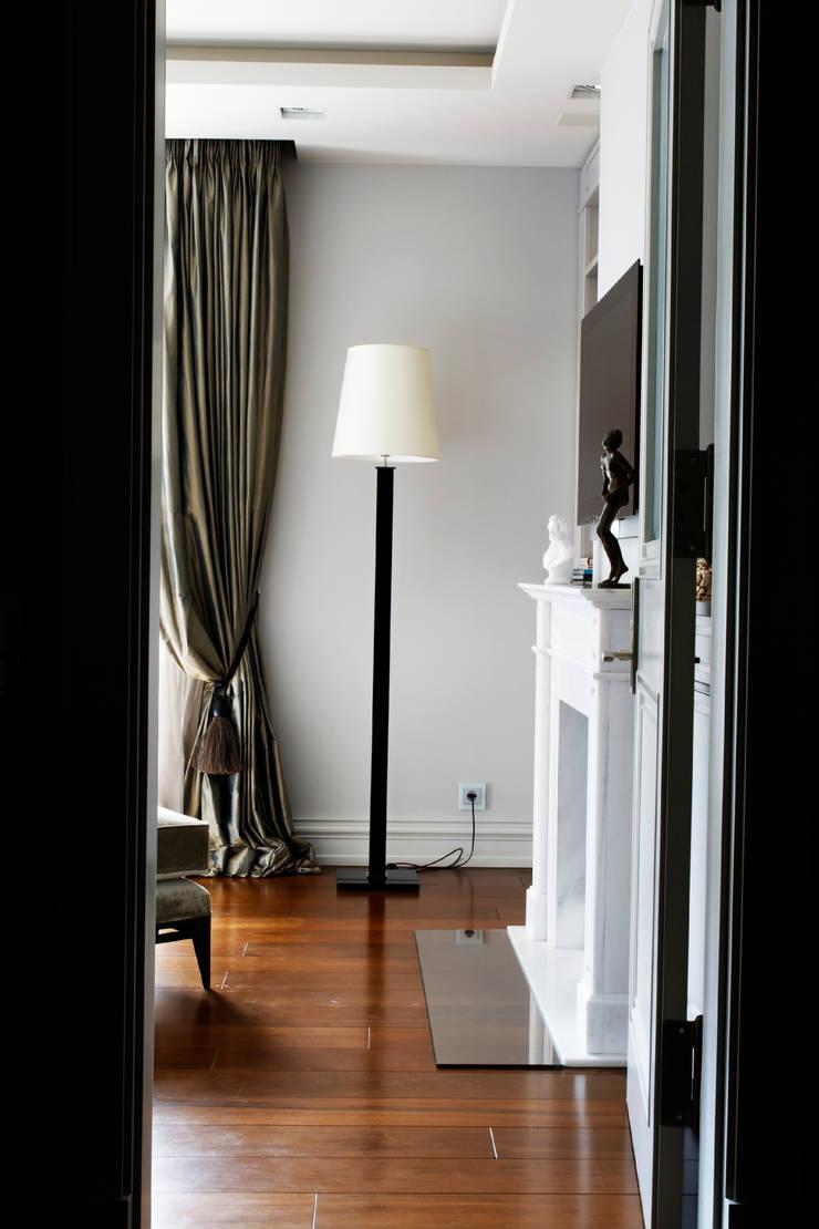 Salas de estilo  por Davide Rizzo