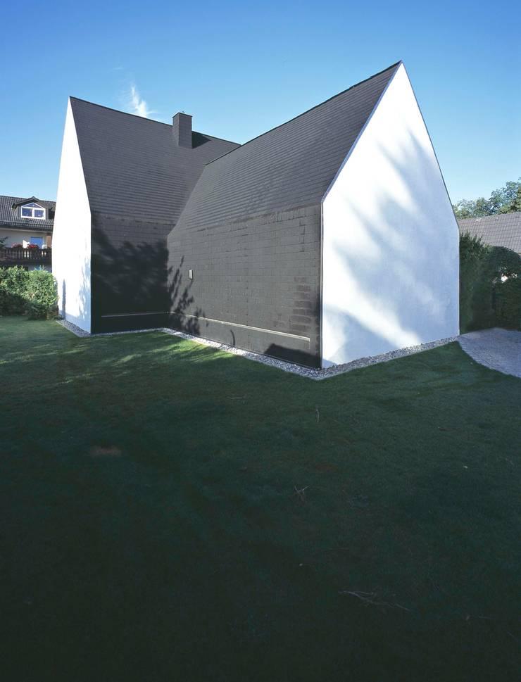 Casas de estilo  por Peter Haimerl . Architektur