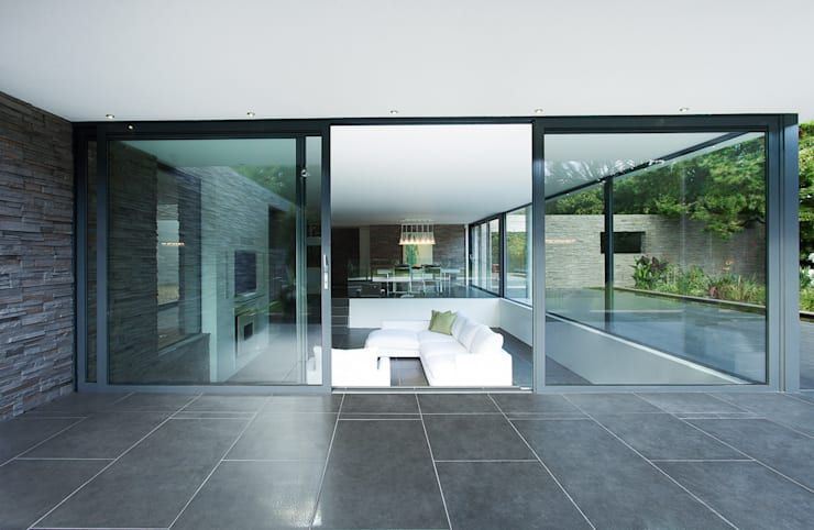 AR Design Studio- Abbots Way:  Living room by AR Design Studio