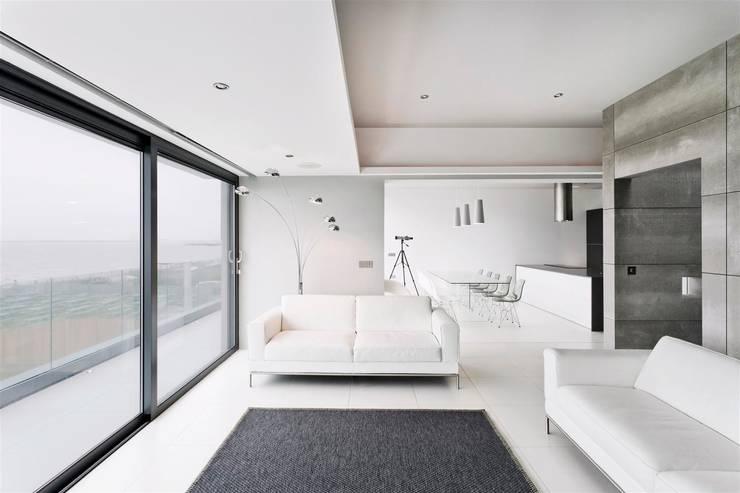AR Design Studio- Lighthouse 65: modern Living room by AR Design Studio